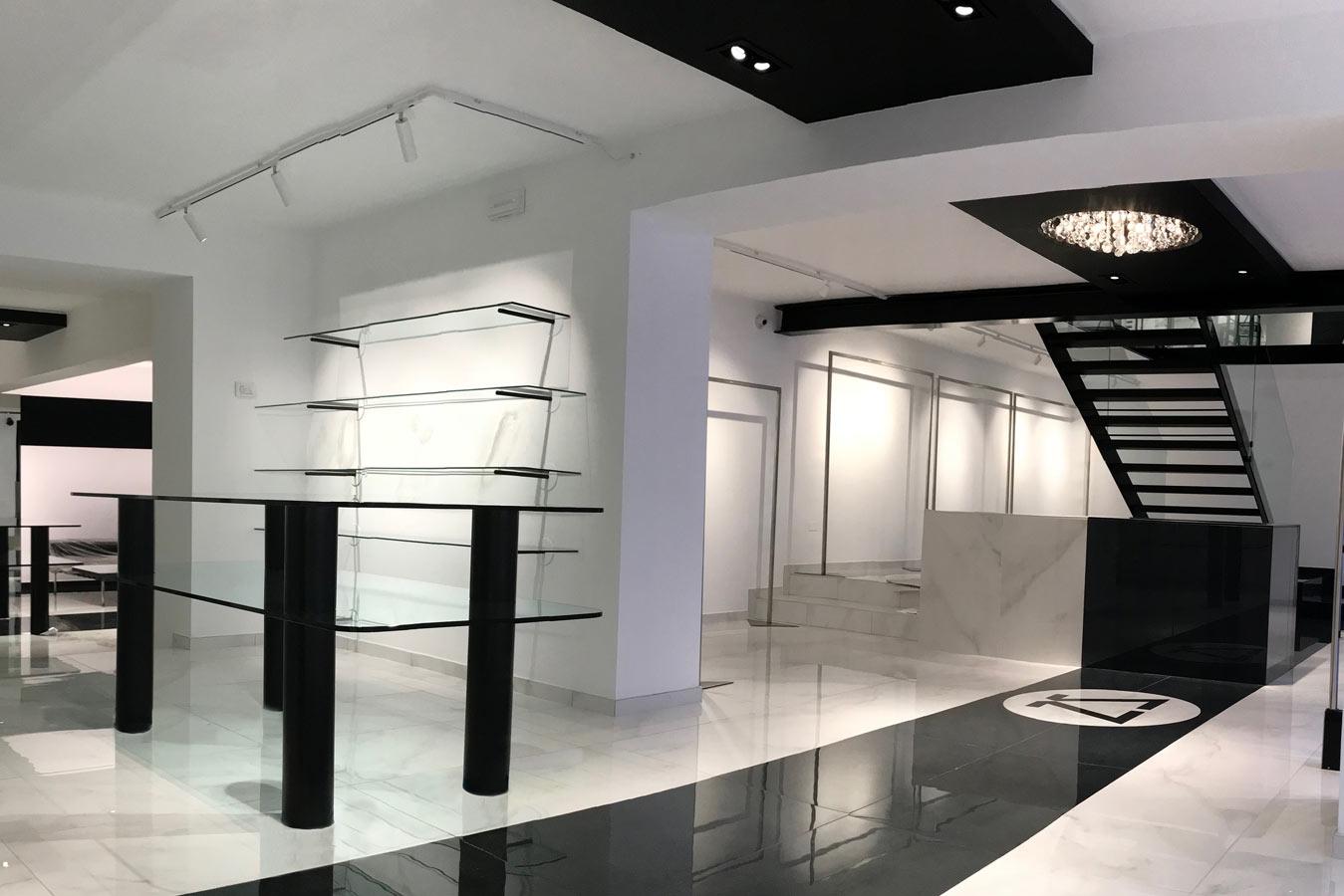 01-Zanotti-Boutique-Home